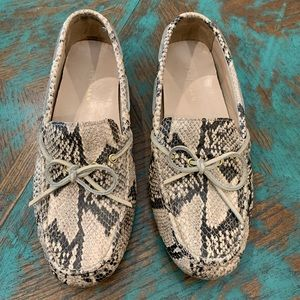 Cole Haan Snake Flat shoes size 7-1/2 B